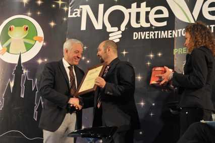 Il Presidente Fiasella ritira il premio Io vivo sostenibile