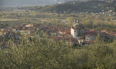 Foto di Santo Stefano Magra visto dalle colline soprastanti