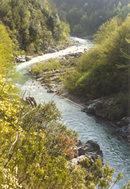 Foto del fiume Vara nella gola di Sesta Godano