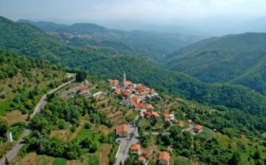 Immagine del borgo di Maissana