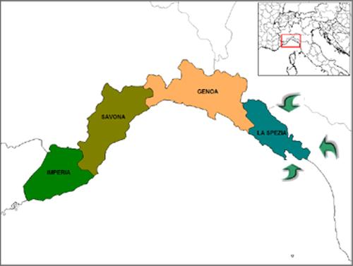 Cartina della Liguria tratta dal sito wikipedia.org con tre frecce verdi che indicano la Provincia della Spezia